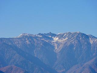 陣馬形山から木曽駒ヶ岳を望む