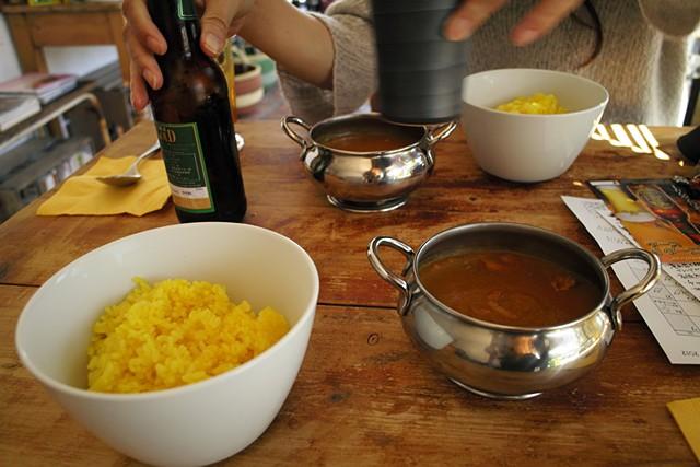 JR飯田駅裏「山羊印カフェ」のネパールカレー、山羊印スパイスの直営カフェ
