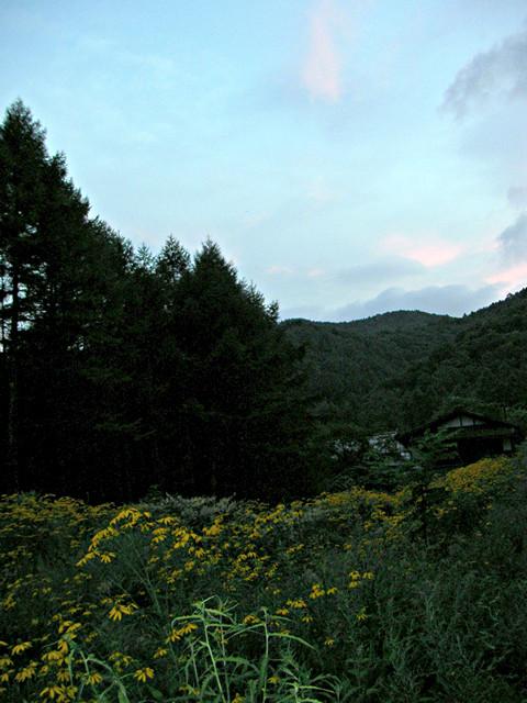 夏の大平宿の夕暮れ