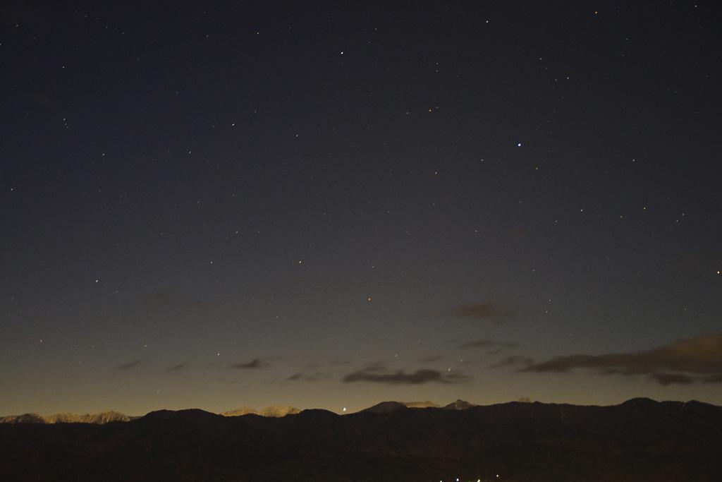 2013年11月23日5時20分「月夜平より南アルプスと星空を望む」