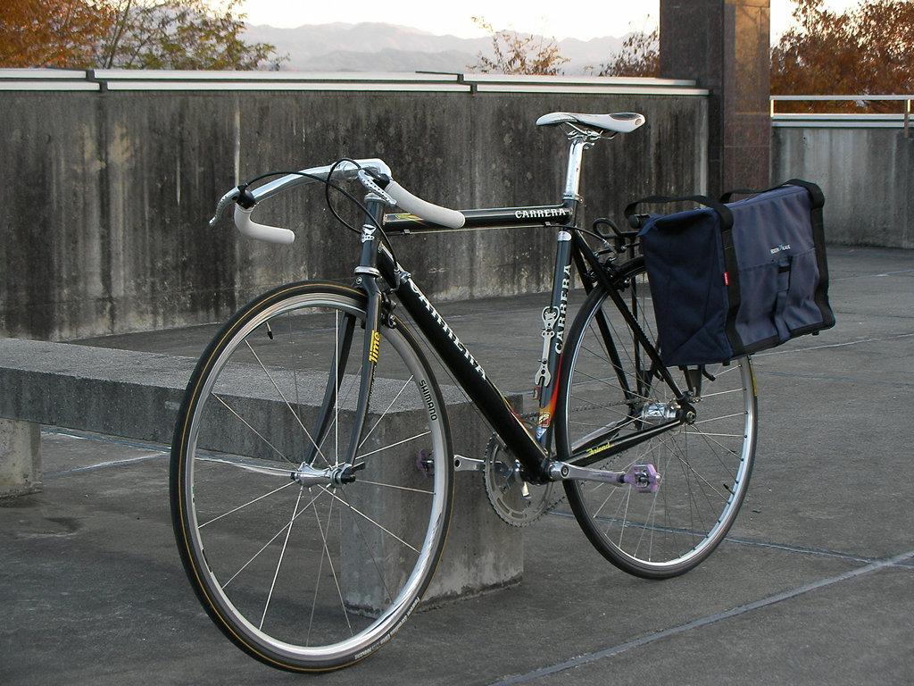 ロードバイクにパニアバッグ