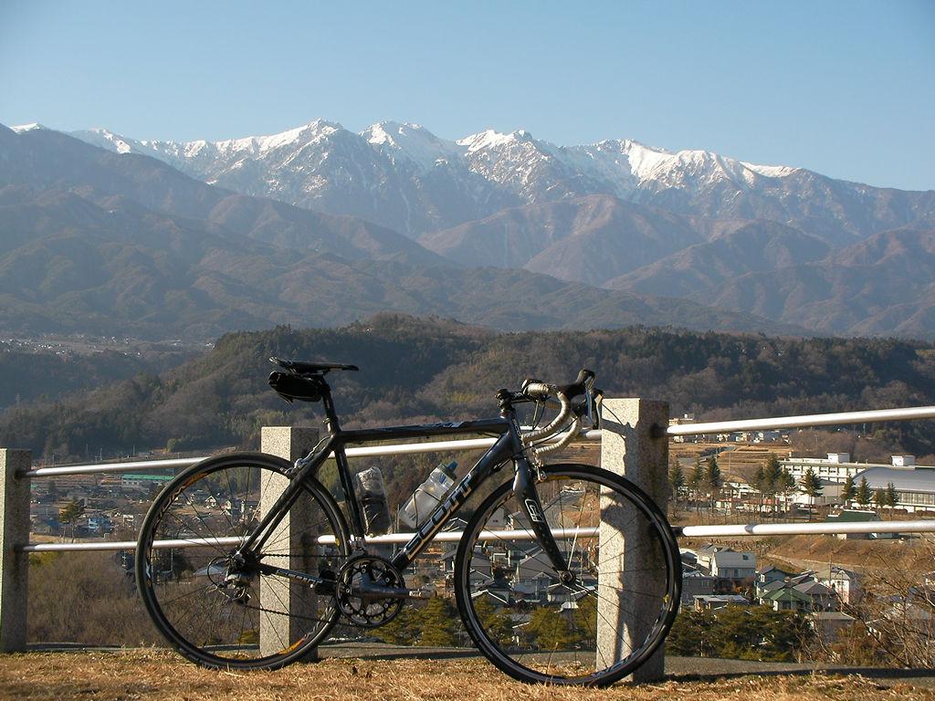 冬晴れ、南駒ケ岳を望む