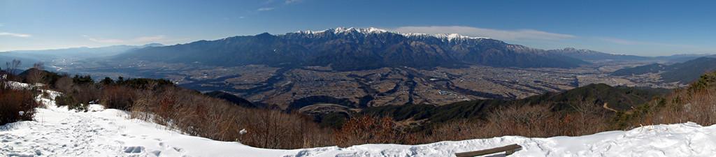 2014年1月24日、陣馬形山より木曽山脈を望む