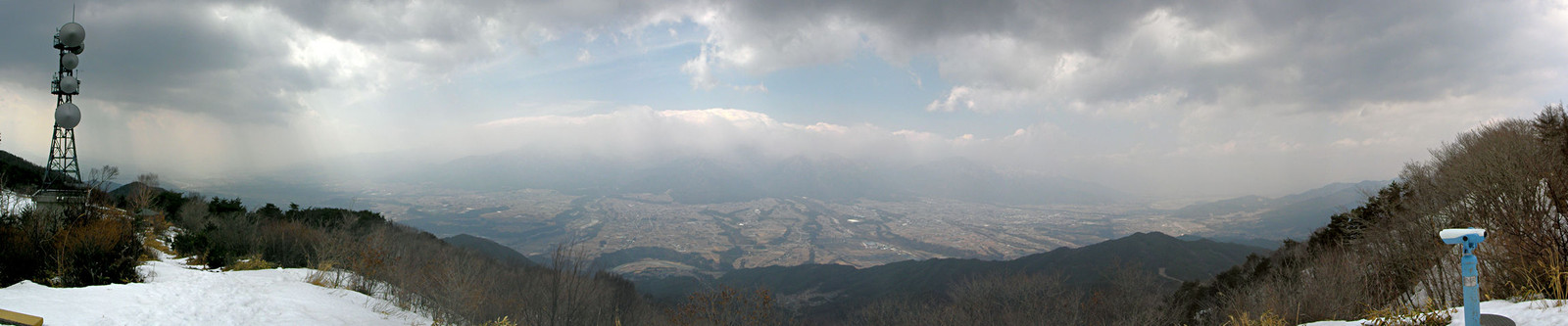 2014年3月16日「陣馬形山山頂から伊那谷を望む」