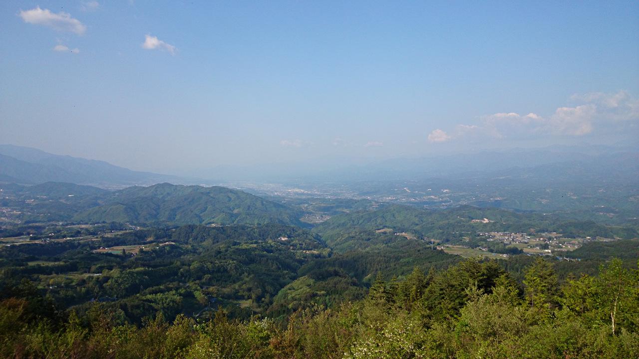 下條村極楽峠パノラマパークから飯田盆地を望む