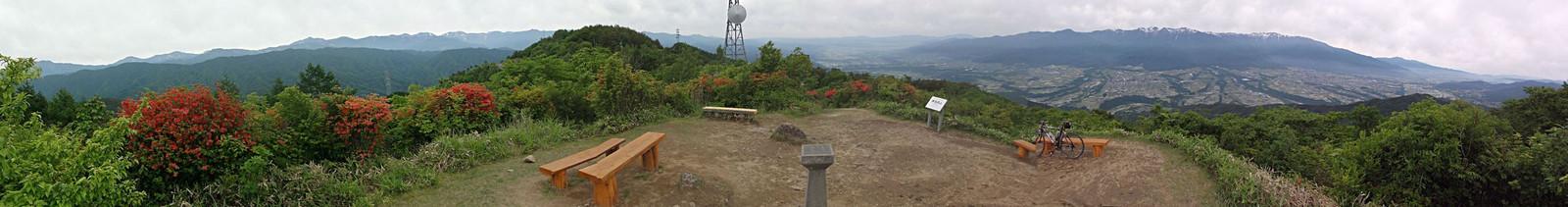 陣馬形山山頂(2015年6月5日)