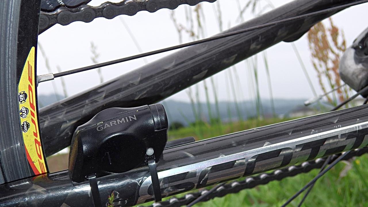 Garmin スピードケイデンスセンサー GSC10