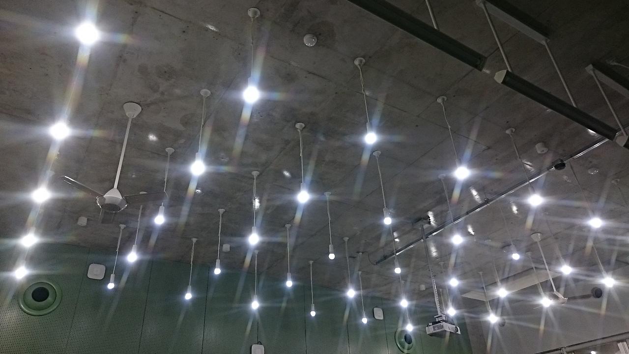 LED電球を使った天井照明例